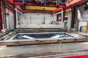 thermoformage plastique - chauffage de la matiere plastique devenue liquide avant la mise en forme